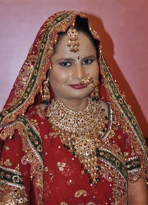 indian brides  wear red coloured attires   weddings quora