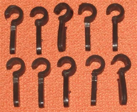 crochets simples marron pour anneau rideau accessoires rideaux par olyne