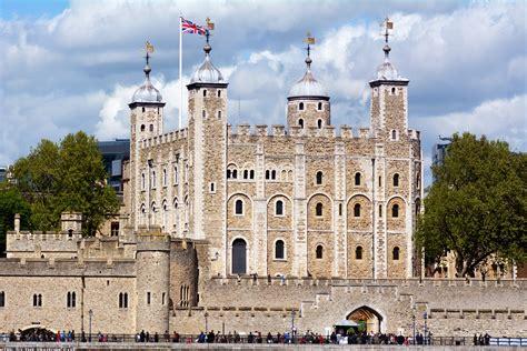 Tours International - Royal Palaces of London Tour