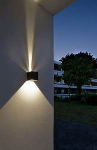 Led Outdoor Lampe : led outdoor wall lights enhance the architectural features of your home warisan lighting ~ Markanthonyermac.com Haus und Dekorationen