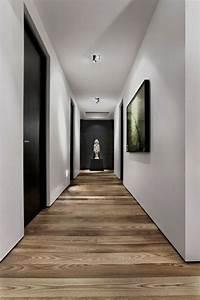 Le parquet massif ideal pour votre interieur commode for Parquet couloir