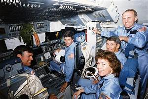 File:STS-61-H-MT crew in the cockpit of the Space Shuttle ...