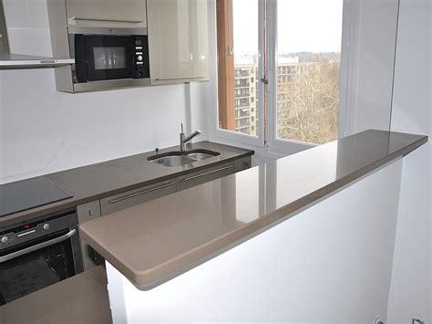 table de cuisine inox intérieur granit plan de travail en quartz unistone bruno