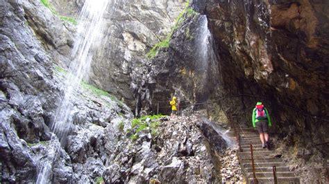 Für diese klammdurchquerung brauchen sie aber auf jeden fall regenkleidung und. Wanderung durch die Höllentalklamm | auf-den-berg.de