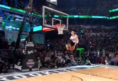 zach lavine throws  disgusting    dunk