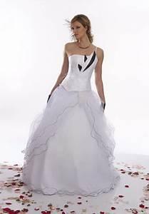 Robe De Mariée Noire : robe de mariee noir et blanche ~ Dallasstarsshop.com Idées de Décoration