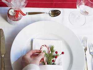 Deko Teller Dekorieren : tisch weihnachtlich dekorieren 41 deko ideen f r weihnachtstafel deko feiern ~ Frokenaadalensverden.com Haus und Dekorationen