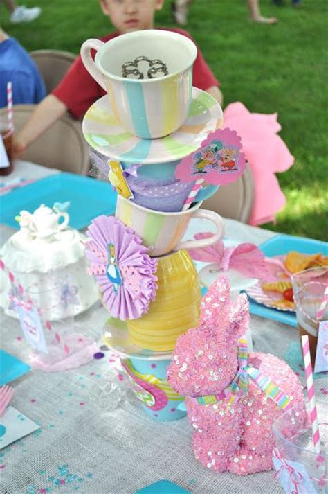 alice and wonderland table decorations pinterest discover and save creative ideas