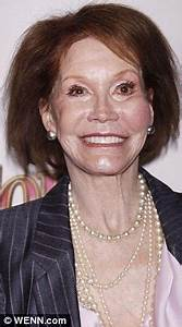 Mary Tyler Moore's swollen face makes her unrecognisable ...