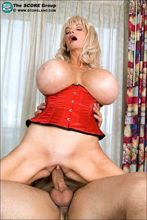 Showing Xxx Images For Dee Dee Deluxx Spreading Xxx