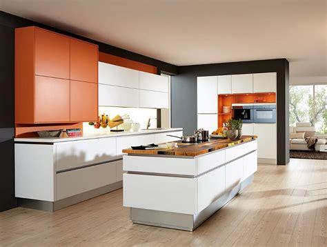 cuisine en et blanc cuisine avec ilot central 7 façons de l aménager