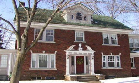 colonial architecture colonial revival characteristics colonial revival style
