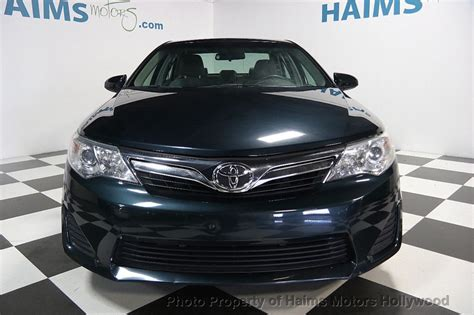 toyota camry  dr sedan  automatic le
