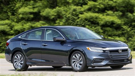 2019 Honda Insight Hybrid Offers Impressive Mpg In Plain