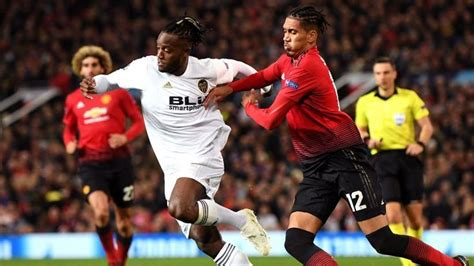 Fellaini: Players remain united behind Mourinho at Old ...