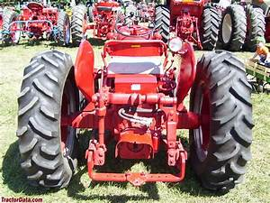 Ih 300 Utility Tractor Specifications