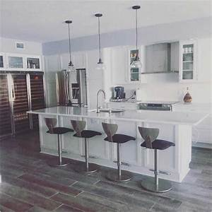 Moderne Küchen 2017 : bild moderne k chen mit kochinsel und theke im holzb den ~ Michelbontemps.com Haus und Dekorationen
