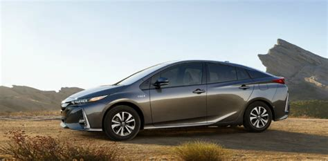 Which Hybrid Car Is Best, Toyota Or