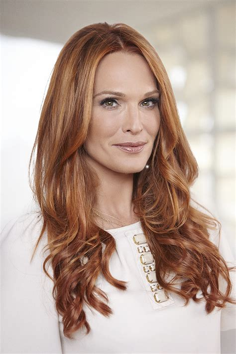 what color is molly molly sims hair color change with aura friedman