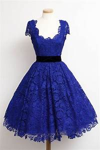 A-line Scoop Knee Length Lace Homecoming Dresses Sash ...