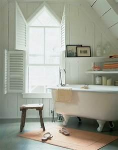 une salle de bain sous pente ou sous combles en 52 photos With salle de bain en sous pente