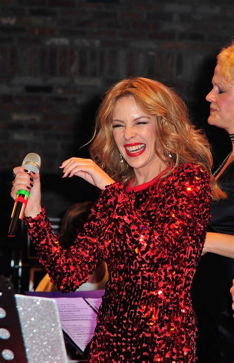 KYLIE MINOGUE Performs at A Dolly Good Xmas at Cedar Lake ...