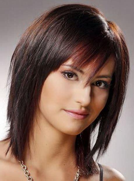 medium shaggy hairstyles for women