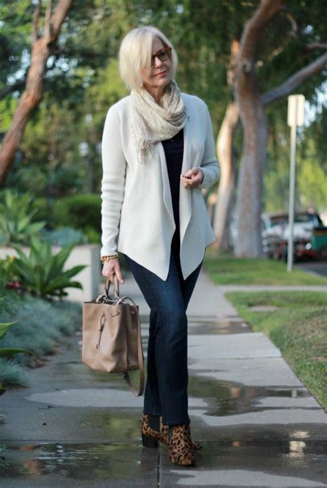 Women over 40 Outfits   20 Dressing Styles for 40 Plus Women