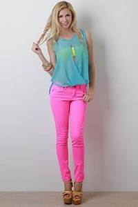 Blue chiffon sleeveless top neon yellow bra Neon pink
