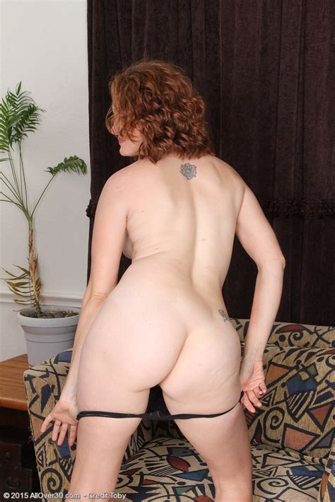 Featuring 35 Year Old Roxanne Clemmens from Vancouver ...