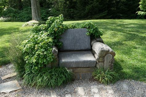 Garden Art :  Using Ornament To Accent Your Garden