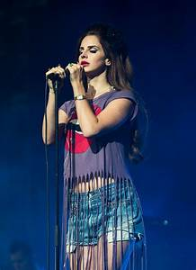 Lana Del Rey Electrifies The Isle Of Wight Festival | Idolator