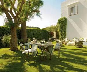 Salon De Jardin Casa : una casa tranquila luminosa y con jard n a las afueras de barcelona ~ Preciouscoupons.com Idées de Décoration