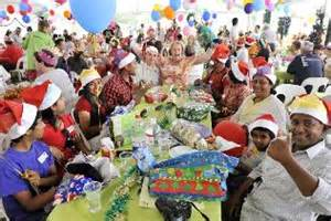 1500 people celebrate christmas at mission australia s lunch in the park perth now