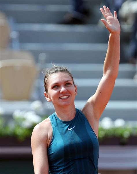 2018 French Open practice: Simona Halep is all smiles | WTA Tennis