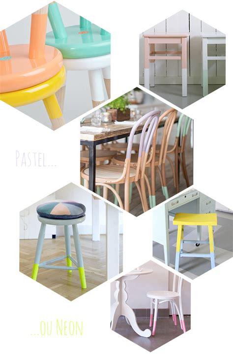 relooker chaise en bois déco 10 idées diy pour relooker chaises et tabourets justagirl
