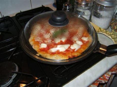 temps de cuisson pizza maison 28 images recette de pizza au jambon fa 231 on maison mini