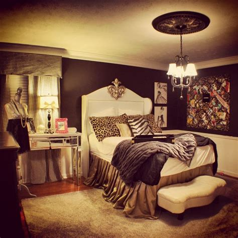 Cheetah Decor For Bedroom by Best 25 Cheetah Bedroom Ideas On Cheetah Room