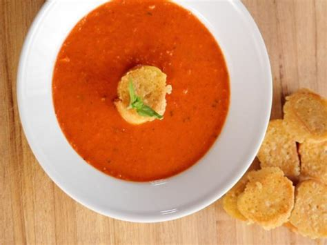 Cbell S Tomato Soup by Tomato Soup With Parmesan Croutons Recipe Ree Drummond
