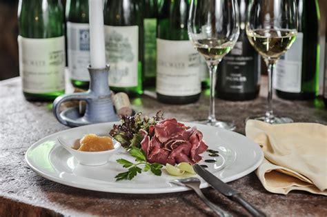 kulinarische reise hotel restaurant 187 zum schwarzen b 228 ren 171 in emmersdorf an der donau