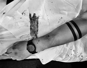 Tatouage Trait Bras : voici les 15 tatouages qui ont t les plus demand s en 2015 le v tre est il dans cette liste ~ Melissatoandfro.com Idées de Décoration