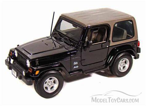 Jeep Wrangler Sahara Black Maisto 31662 1 18 Scale