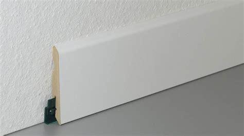 poser plinthe cuisine carrelage design poser plinthe carrelage moderne design pour carrelage de sol et revêtement