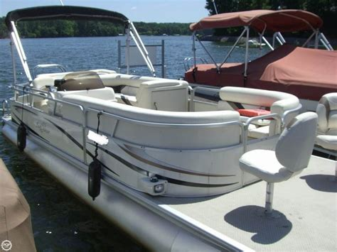 Pontoon Boats For Sale By Owner In Nc by 17 Best Ideas About Pontoon Boats For Sale On