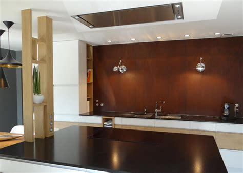 rouille cuisine étagère verticale en bois au rôle de claustra un amour de