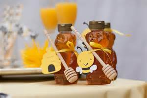 Baby Shower Bee Favors by Lighting