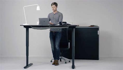 bureau hauteur ajustable table hauteur reglable ikea