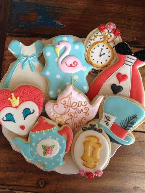 images  alice  wonderland cakes cupcakes