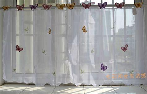 petit papillon simple rideau blanc cuisine rideaux fen 234 tre