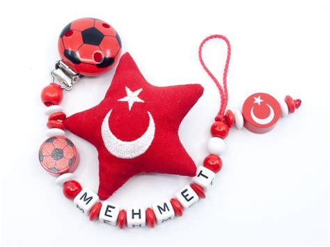 Fußball ist die beliebteste sportart in der türkei. Nuggikette Fussball Türkei mit Stoffstern 'Mehmet' | meine ...